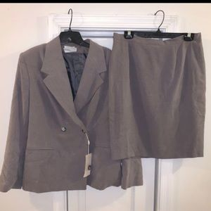 Italy Gray Skirt Suit
